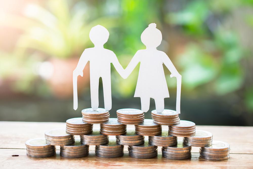 Sagome anziani con pensione