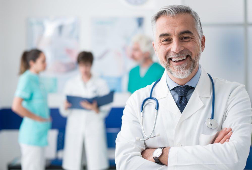 Medico sorridente spese sanitarie